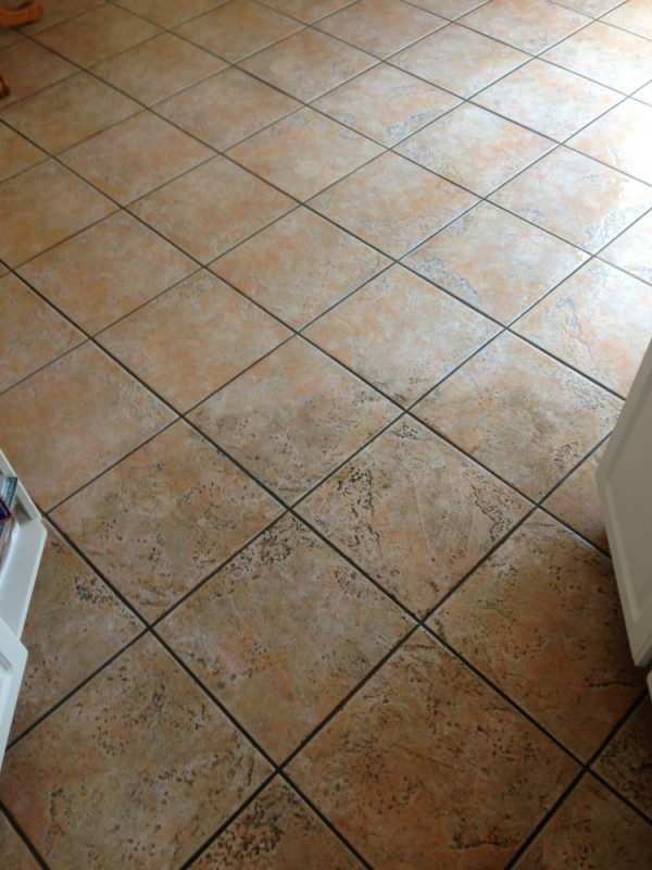 Tile and grout deep cleaning and sealing in Fredericksburg VA and Stafford VA